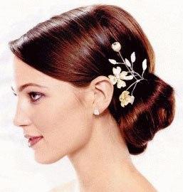 Свадебные причёски с украшениями
