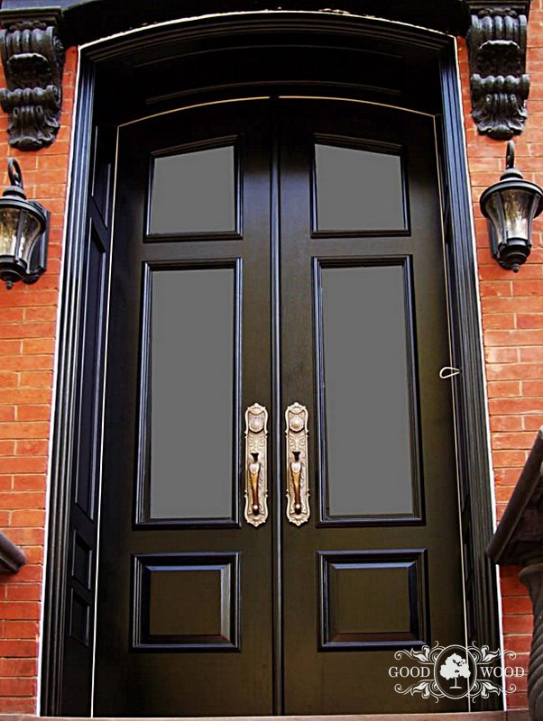 входные двери со вставками